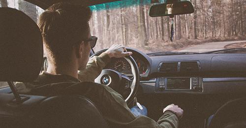 車両保険の加入や免責額の見直し